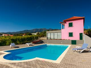 4 bedroom Villa with Internet Access in Sao Jorge - Sao Jorge vacation rentals