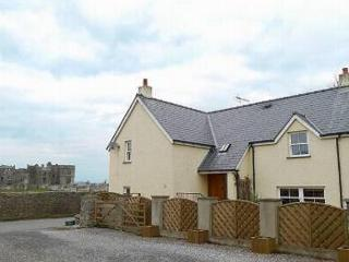 Near Carew Castle, close to riverside walks - Tenby vacation rentals