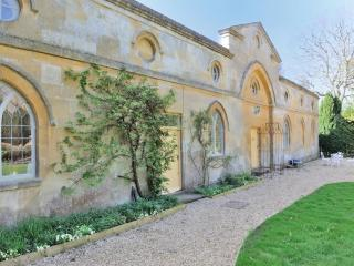 Bright Manor house with Internet Access and Central Heating - Toddington vacation rentals