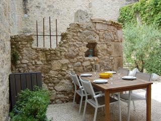 History and luxury in authentic French village - Castelsagrat vacation rentals