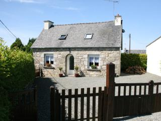 Traditional Stone Built Breton Cottage. Mezy Bian - Bourbriac vacation rentals