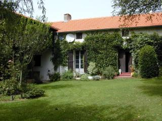 Southern Gascony - Picturesque Country Cottage - Trie-sur-Baise vacation rentals