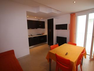 SUN & SEA APARTAMENTS: SUITE TIFFANY 1° FILA MARE - San Benedetto Del Tronto vacation rentals