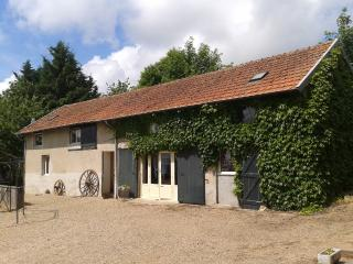 Cozy 2 bedroom Gite in Gueugnon - Gueugnon vacation rentals