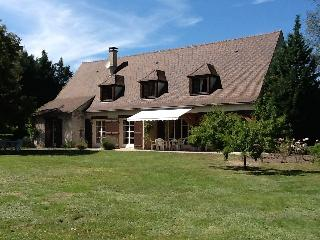 Gorgeous 5 bedroom Villa in Roanne - Roanne vacation rentals