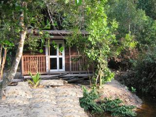 Romantic 1 bedroom Kribi Bungalow with Internet Access - Kribi vacation rentals