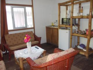 Cozy 3 bedroom Kribi Chalet with Internet Access - Kribi vacation rentals