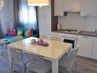 Luxury apartments Bonaria - Maestral (4+1) - Okrug Gornji vacation rentals