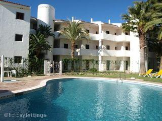 Beautiful Condo with Microwave and Shared Outdoor Pool - Vilamoura vacation rentals