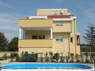 "4 Start ""Villa Adria"" - Orange - Kozino vacation rentals"