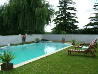 3 bedroom Gite with Internet Access in Saint-Juire-Champgillon - Saint-Juire-Champgillon vacation rentals