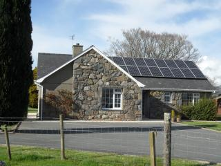 Country cottage CRICCIETH on the edge of Snowdoia - Llanystumdwy vacation rentals