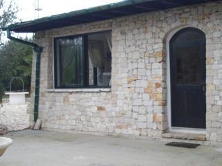 Cozy 2 bedroom Villa in Leuca with A/C - Leuca vacation rentals