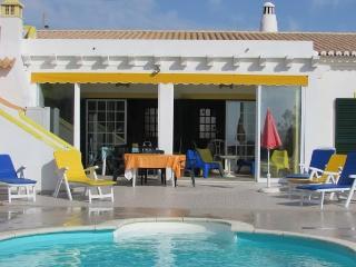Casa com Jardim e Piscina de Água Salgada - Aljezur vacation rentals