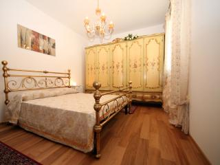 Nice Villa with A/C and Satellite Or Cable TV - Oriago di Mira vacation rentals