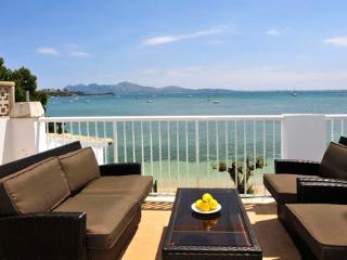 4 bedroom Apartment in Puerto Pollenca, Mallorca, Mallorca : ref 2093271 - Puerto Pollensa vacation rentals