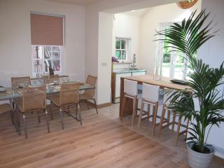 Coach house (Cottage) - London vacation rentals