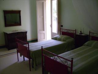 3 bedroom B&B with Internet Access in Otranto - Otranto vacation rentals