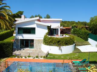 Wonderful Villa with Internet Access and A/C - Galamares vacation rentals