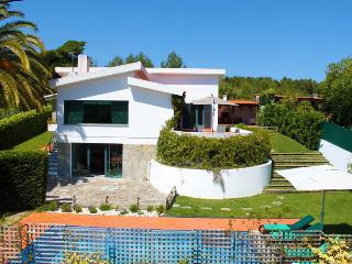4 bedroom Villa with Internet Access in Galamares - Galamares vacation rentals