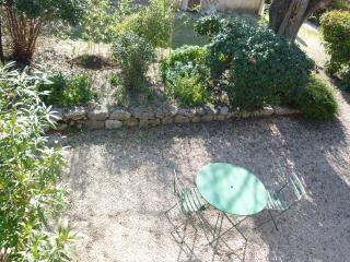 T2/jardin privé calme campagne - Ventabren vacation rentals