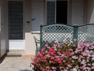Romantic 1 bedroom Condo in Ile d'Oleron - Ile d'Oleron vacation rentals
