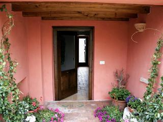 Cozy 3 bedroom Massa Martana Farmhouse Barn with Toaster - Massa Martana vacation rentals