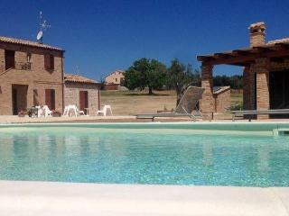 Fonte dell'Ulivo 2 - Apartment Basilico - Castelfidardo vacation rentals