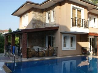 Bright 3 bedroom Icmeler Villa with A/C - Icmeler vacation rentals