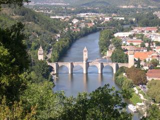Charming Villa in Cahors with Internet Access, sleeps 8 - Cahors vacation rentals