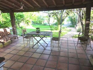 The gite in the garden at 'La Croix' - Bouteilles-Saint-Sebastien vacation rentals