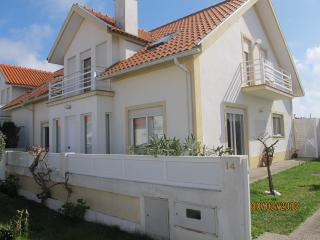 4 bedroom House with Internet Access in Torreira - Torreira vacation rentals
