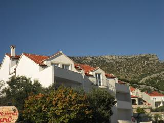 Apartment Jase Bol 2+0 - Bol vacation rentals