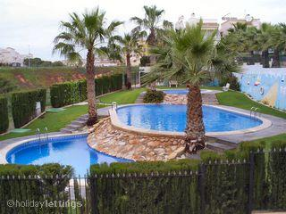 Nice Bungalow with A/C and Satellite Or Cable TV - Torrevieja vacation rentals