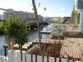 Lovely Villa with Internet Access and Tennis Court - Knysna vacation rentals
