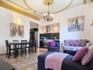 Central Suites Barcelona Blanca - Barcelona vacation rentals