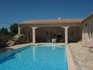 Nice Villa with Internet Access and Outdoor Dining Area - La Liviniere vacation rentals