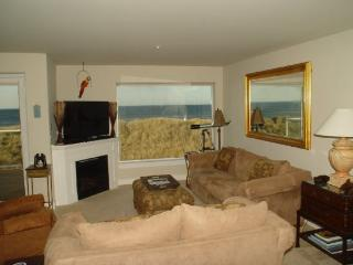 #822/1 - Premium Ocean and Beach View - Westport vacation rentals