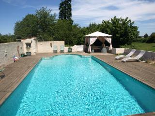 La Maison Bleue - La Caillere vacation rentals