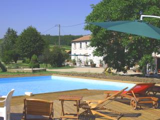 3 bedroom Gite with Internet Access in Jonzac - Jonzac vacation rentals