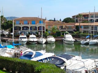 T3, 6p, Marina de Port cogolin - Cogolin vacation rentals