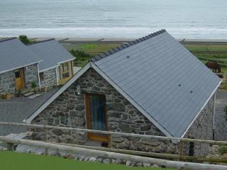 Nice Barn with Deck and Internet Access - Llanaber vacation rentals