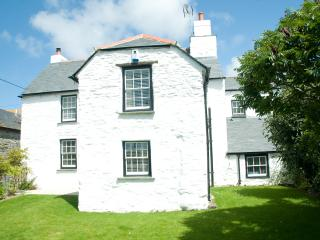 Great Weston : a country house with a hot tub in Crantock Village centre - Crantock vacation rentals