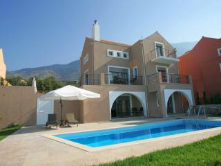 Comfortable 2 bedroom Lourdas Villa with Internet Access - Lourdas vacation rentals