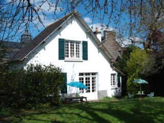 Charming holiday cottage in a village - Plenee-Jugon vacation rentals