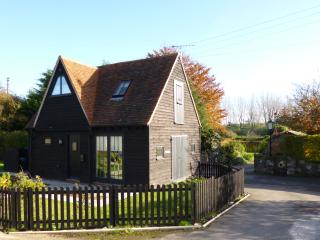 3 bedroom Barn with Internet Access in Canterbury - Canterbury vacation rentals