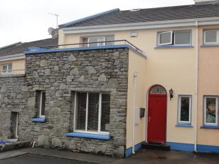 Perfect 3 bedroom Townhouse in Clifden with Dishwasher - Clifden vacation rentals