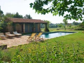 Country House Maramai in the lush Chiana valley - Montepulciano vacation rentals