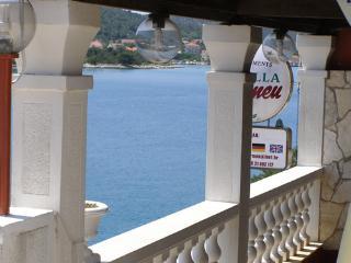 Bright 10 bedroom Vacation Rental in Vinisce - Vinisce vacation rentals
