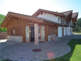 Adorable 8 bedroom Coredo House with Linens Provided - Coredo vacation rentals